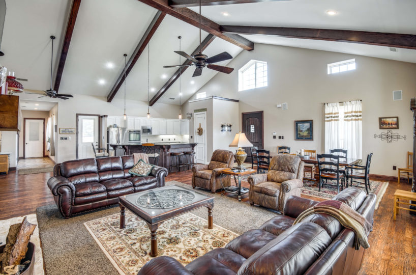 living-room-vaulted-ceiling
